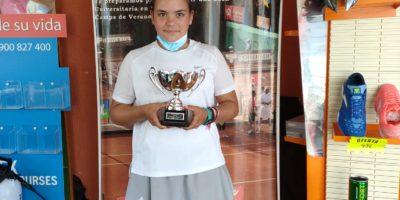Campeona Torneo «Las Rozas Club» en la categoría Infantil